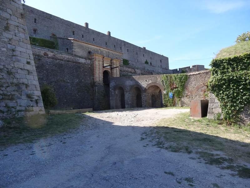 Entrée du Fort de Bellegarde